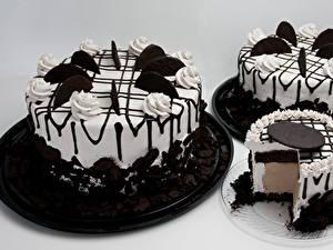 Картинки Сладости Торты Шоколад Сером фоне Дизайн Трое 3 Пища