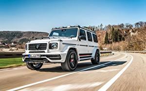 Фотографии Гелентваген Mercedes-Benz Белая Движение CLR G770 Автомобили