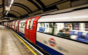 Фотография Англия Поезда Скорость Метро Лондон Underground