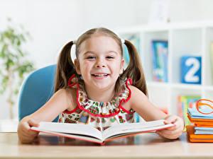 Картинки Школьные Девочка Улыбка Книга Дети