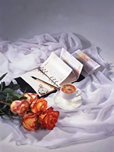 Картинка Натюрморт Розы Кофе Часы Чашка Блокнот Цветы