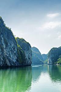 Фотография Вьетнам Море Бухта Скала Заливы Halong Bay Природа