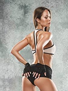 Обои Фитнес Попа Рука Перчатки Поза девушка Спорт