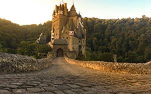 Картинка Германия Замки Дороги Burg Eltz город
