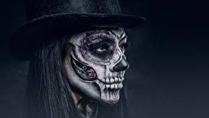 Фото Праздники Лица Шляпе Макияж Черный фон day of the dead девушка