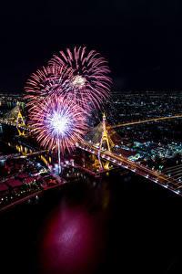 Картинка Бангкок Таиланд Дома Реки Салют Мосты Ночные Сверху Города