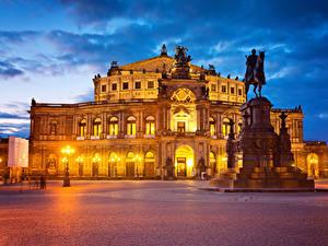 Фотография Германия Дрезден Дома Памятники Вечер Городская площадь Уличные фонари Города