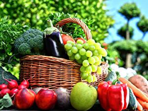 Картинки Овощи Фрукты Яблоки Перец Виноград Персики Корзина