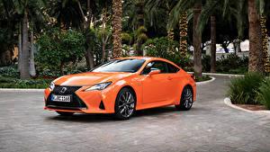Фотография Lexus Оранжевых Металлик 2018-19 RC 300h F SPORT Worldwide машины