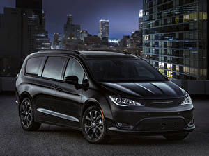 Картинки Chrysler Черный 2018 Pacifica Limited S Appearance Package машина
