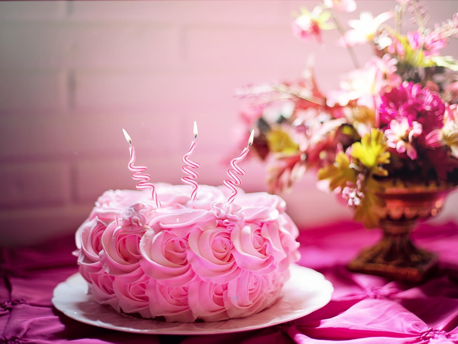 Фотографии День рождения роза Торты розовая Огонь Еда Свечи 1600x1200 Розы розовых Розовый розовые пламя Пища Продукты питания