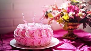 Фотографии День рождения Торты Роза Свечи Огонь Розовая Еда