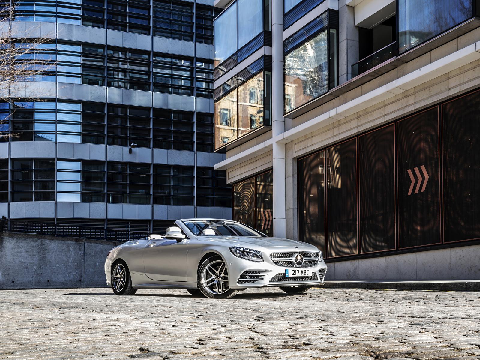 Картинки Mercedes-Benz 2018-19 S 560 Cabriolet AMG Line Кабриолет серебристая машины 1600x1200 Мерседес бенц кабриолета серебряный серебряная Серебристый авто машина автомобиль Автомобили