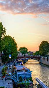 Фотография Франция Храмы Реки Причалы Вечер Речные суда Париже Деревья Водный канал город