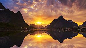 Фотография Норвегия Горы Рассветы и закаты Дома Залив