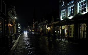 Картинки Нидерланды Здания Дороги Улица Ночные Monnickendam Города