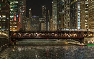 Картинка США Дома Мосты Чикаго город Ночные Водный канал город