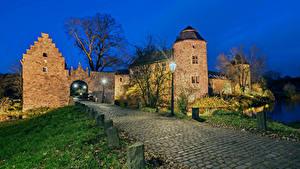 Фотография Германия Замки Дороги Вечер Уличные фонари Wasserburg Haus zum Haus город
