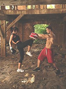 Картинка Бокс Мужчины Две Тренируется Девушки Спорт