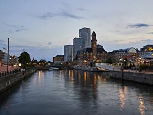 Картинки Швеция Стокгольм Здания Речка Вечер Водный канал