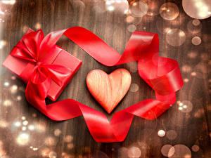Фото День всех влюблённых Лента Бантик Подарки Сердце