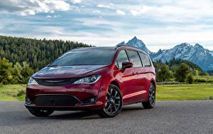 Фотографии Chrysler Темно красный Металлик 2018–19 Pacifica Limited S Appearance Package авто