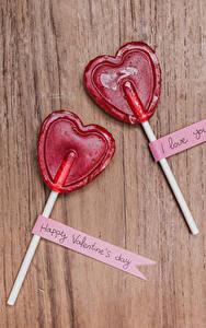 Обои День святого Валентина Сладости Леденцы Доски Сердечко Двое Английский Еда