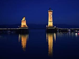Фото Озеро Маяк Германия В ночи Bodensee, Lindau