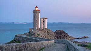 Картинки Франция Маяки Дороги Ограда Brest