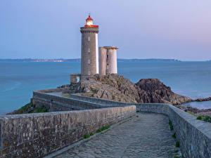 Картинки Франция Маяки Дороги Ограда Brest Природа