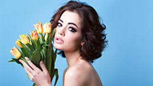 Обои Тюльпаны Шатенки Взгляд Макияж Девушки