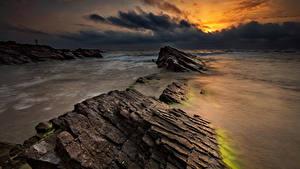 Обои Болгария Море Рассветы и закаты Камень Берег Облака Природа