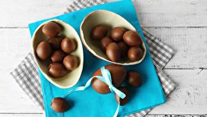 Картинка Праздники Пасха Шоколад Сладкая еда Доски Яйца