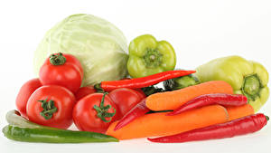 Картинки Овощи Помидоры Капуста Перец овощной Морковь Острый перец чили Белый фон Пища