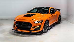 Обои Ford Оранжевая Металлик Mustang Shelby GT500 2020