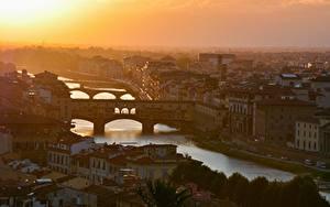 Картинки Италия Флоренция Рассветы и закаты Речка Мосты Дома Arno river