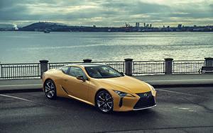 Фото Lexus Желтые Металлик 2019 LC 500 Inspiration Series автомобиль
