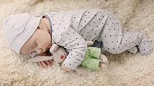 Обои Игрушка Младенец Спит