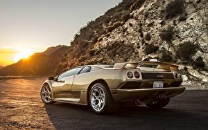 Картинка Lamborghini Сзади Золотая Diablo авто
