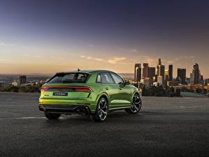 Фото Вечер Audi Вид сзади Металлик CUV Зеленые 2020, RS Q8 Автомобили