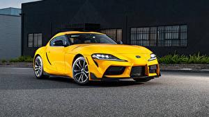 Обои Toyota Желтая Металлик GR Supra 2.0 North America, (A90), 2020 машина