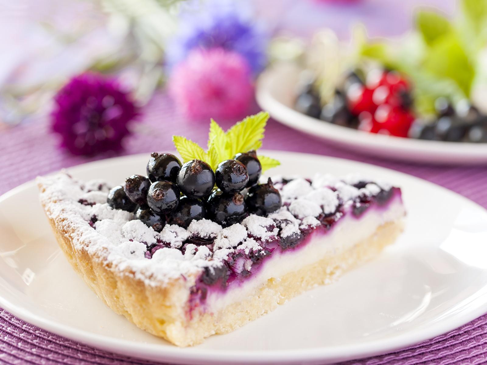 Фото Пирог кусочки Черника Еда тарелке 1600x1200 часть Кусок кусочек Пища Тарелка Продукты питания