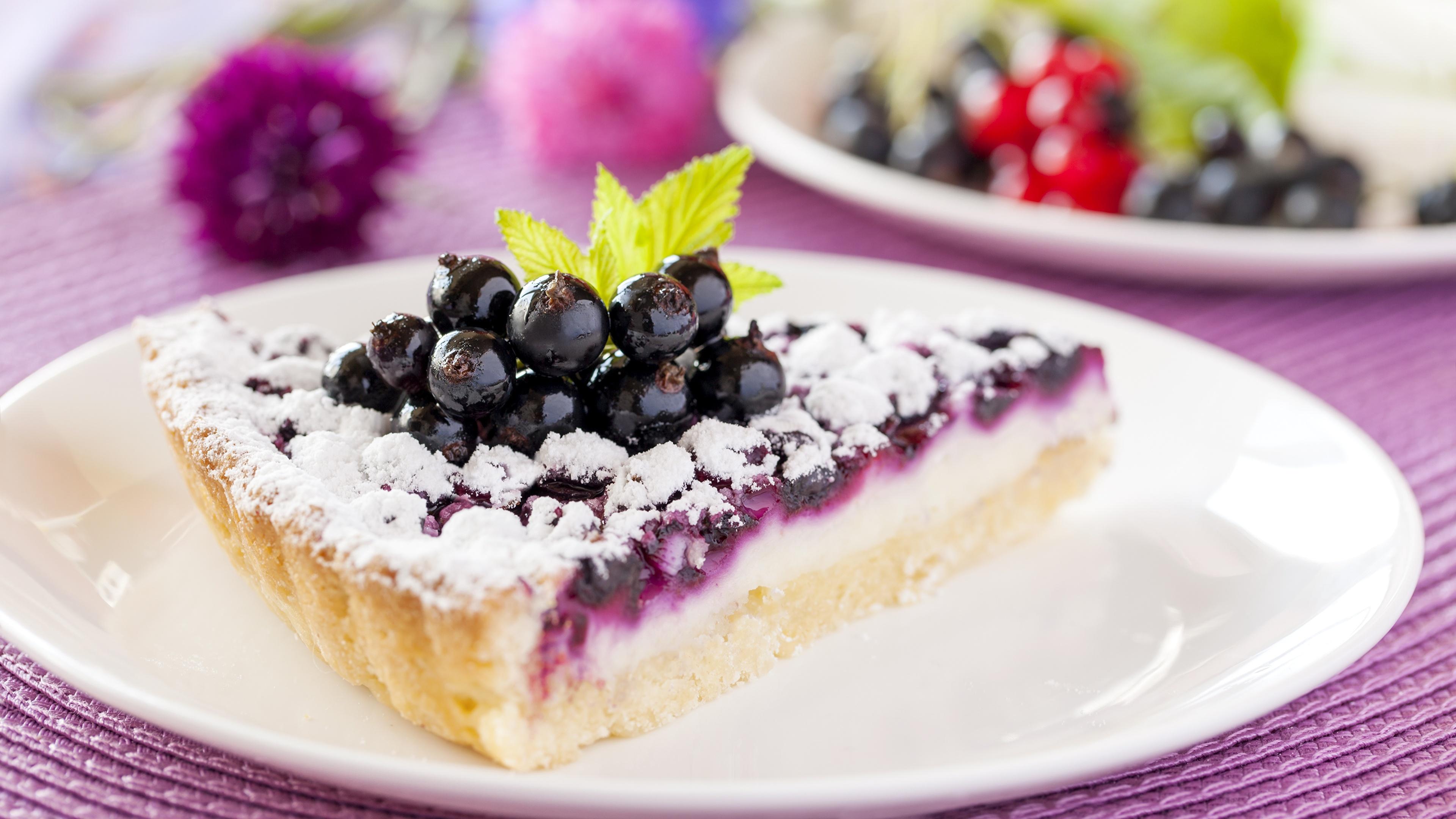 Фото Пирог кусочки Черника Еда тарелке 3840x2160 часть Кусок кусочек Пища Тарелка Продукты питания