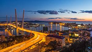 Фотографии Россия Мосты Здания Вечер Уличные фонари Залив Vladivostok, Primorsky Krai Города