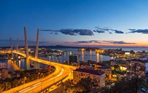 Фотографии Россия Мосты Здания Вечер Уличные фонари Залив Vladivostok, Primorsky Krai