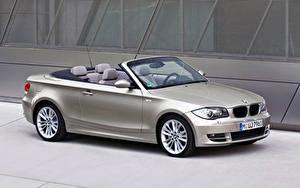 Фотографии BMW Серебряная Металлик Кабриолет 123d Cabrio Worldwide, E88, 2008–10 авто