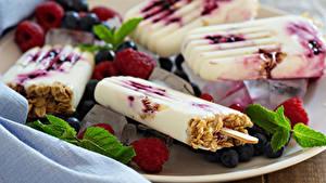 Фотография Сладкая еда Мороженое Малина Черника