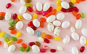 Картинки Сладкая еда Конфеты Драже Цветной фон Разноцветные Продукты питания