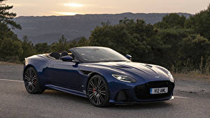 Фотография Астон мартин Синий Металлик Кабриолет 2019 DBS Superleggera Volante Worldwide машина