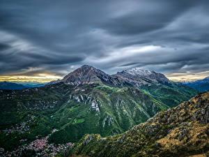 Фотографии Франция Гора Здания Небо Pyrenees